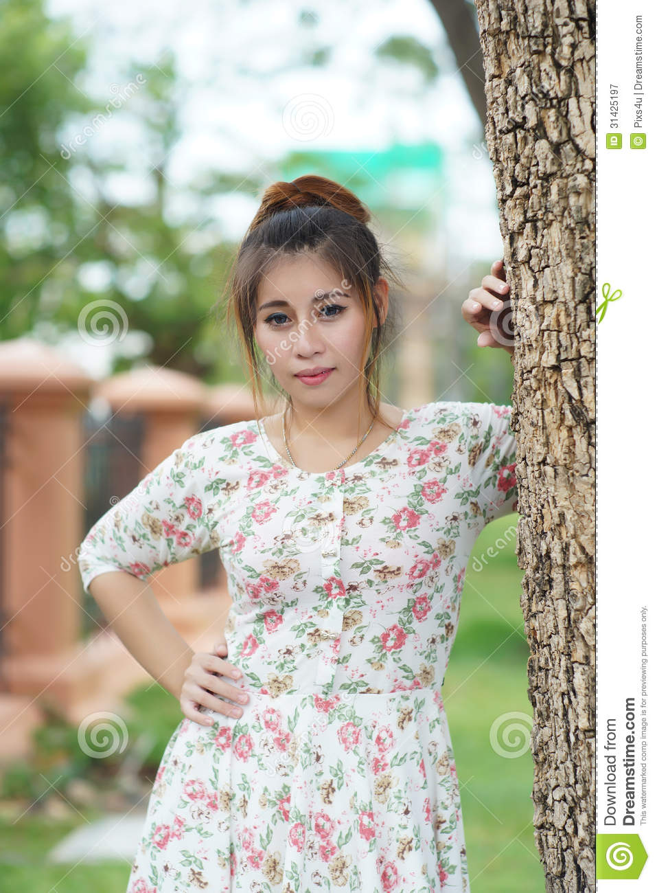 club outdoor woman Asian